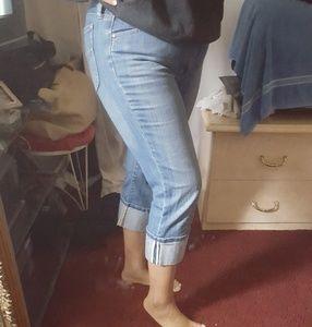 GAP Jeans - GAP Low rise Cropped Jean Size 12